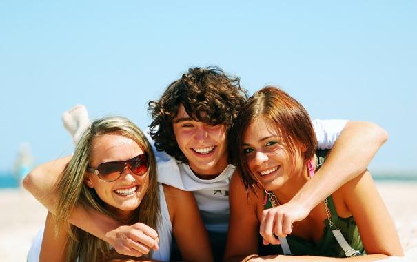 Фото обои счастье, девушки, парень, улыбки
