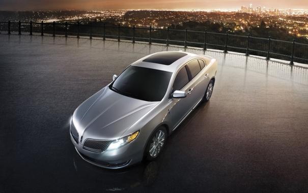 Фото обои Lincoln, ночь, город, серебристый, панорама, седан, МКС