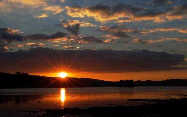 Фото обои вода, небо, солнце, лучи