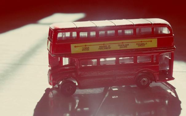 Фото обои красный, англия, статуэтка, автобус, фигурка