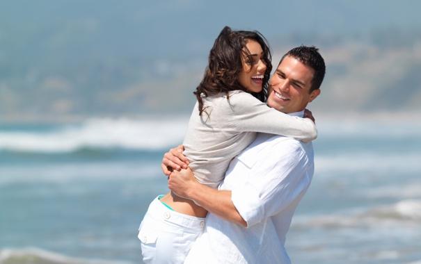 Фото обои море, вода, девушка, улыбка, люди, девушки, настроение