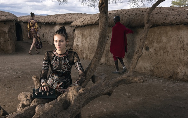 Фото обои Африка, Valentino, Spring, Summer, Campaign, 2016, Steve McCurry