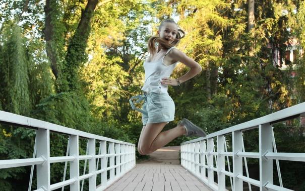 Фото обои радость, мост, природа, прыжок, Milena D
