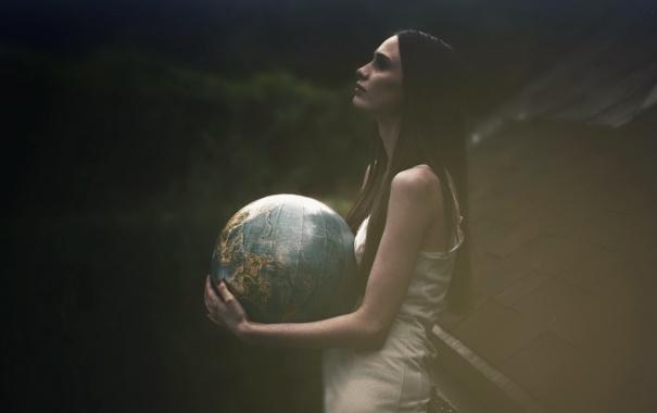 Фото обои девушка, фон, глобус