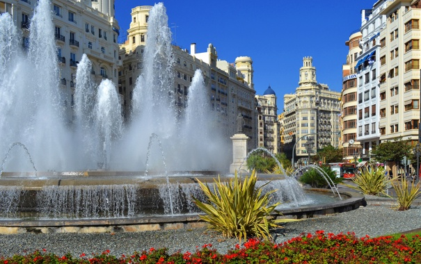 Фото обои небо, цветы, дома, площадь, фонтан, Испания, Валенсия