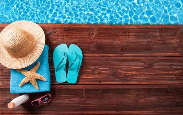 Фото обои вода, полотенце, шляпа, очки, морская звезда, крем, сланцы