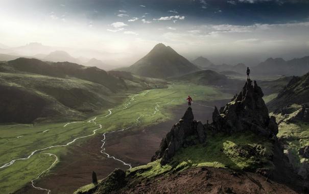 Фото обои небо, горы, равнина, долина, простор, парни, двое