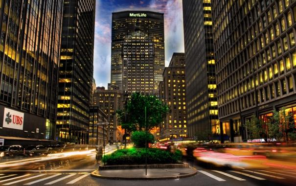 Фото обои дорога, небо, облака, city, город, здание, зебра