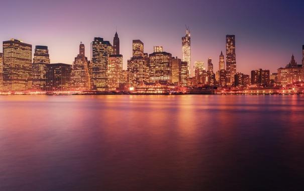 Фото обои закат, город, огни, здания, Нью-Йорк, небоскребы, вечер