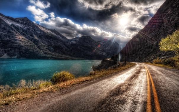 Фото обои дорога, асфальт, солнце, облака, свет, линии, блики