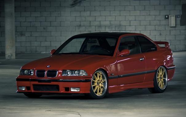 Фото обои BMW, стоянка, диски, красная