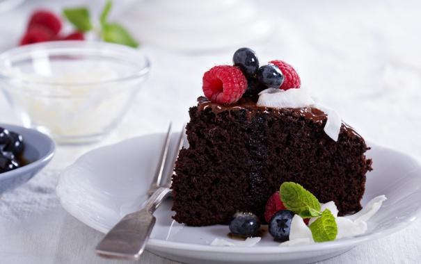 Фото обои выпечка, pastries, Вегетарианский шоколадный торт с ягодами и кокосом, Vegan chocolate cake with berries and ...