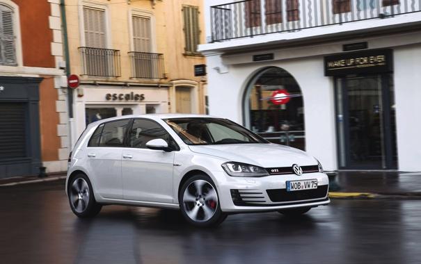 Фото обои Авто, Город, Белый, Volkswagen, Машина, Golf, GTI