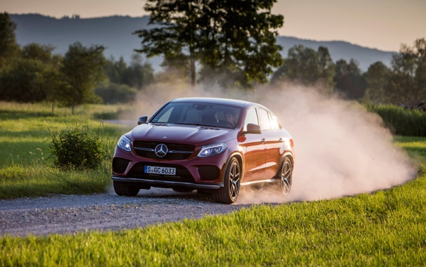 Фото обои красный, купе, Mercedes-Benz, мерседес, AMG, Coupe, 4MATIC