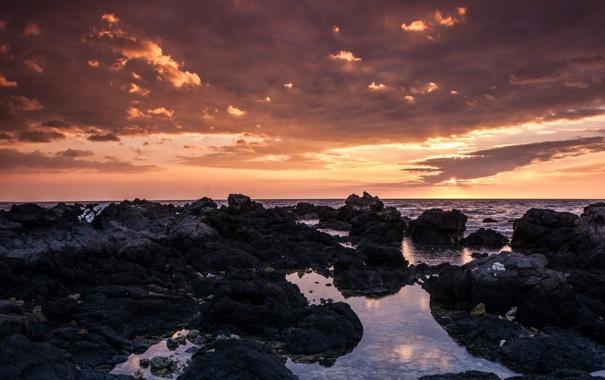 Фото обои море, облака, закат, тучи, камни, лужи, валуны