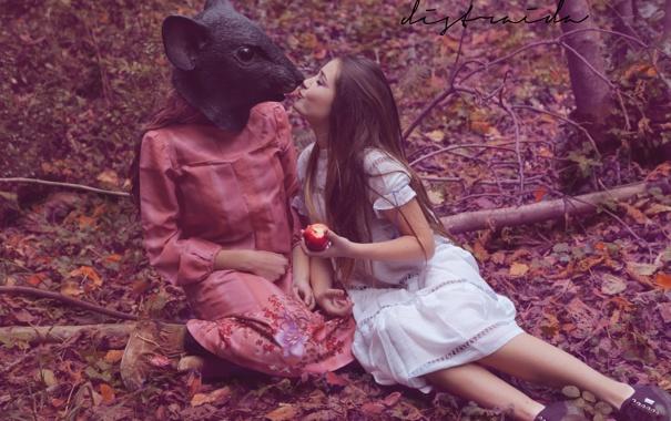 Фото обои девушки, яблоко, маска