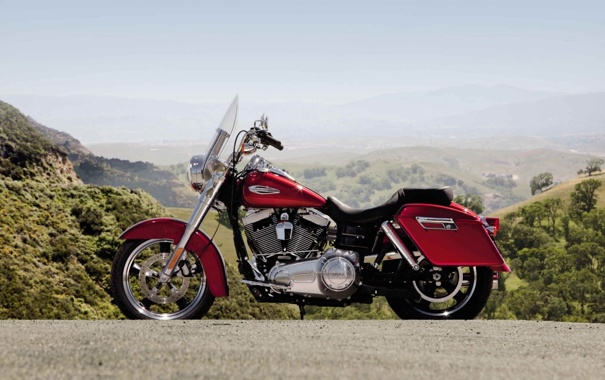 Фото обои небо, горы, красный, мотоцикл, байк, вид сбоку, bike