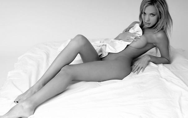 Фото обои грудь, девушка, ноги, тело, пастель, простынь