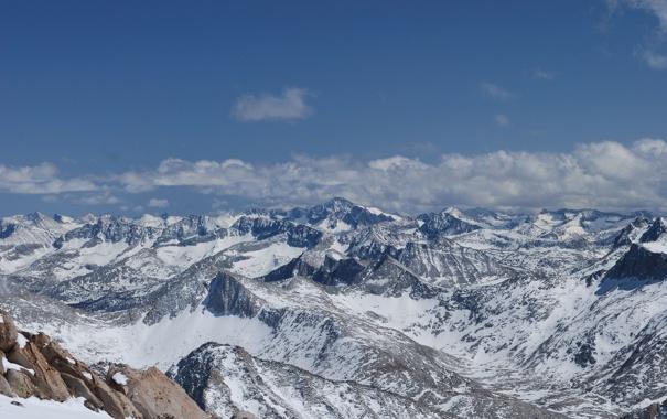 Фото обои небо, снег, горы, тучи, камни