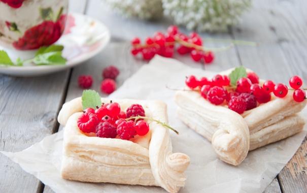Фото обои Выпечка, Pastries, Слойки с кремом и ягодами, Pastries with cream and berries
