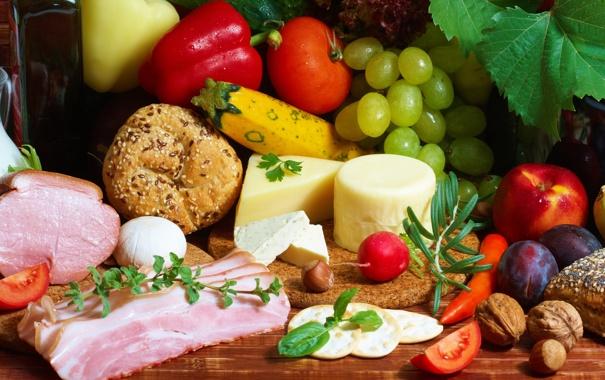Фото обои зелень, стол, яблоко, сыр, хлеб, виноград, фрукты