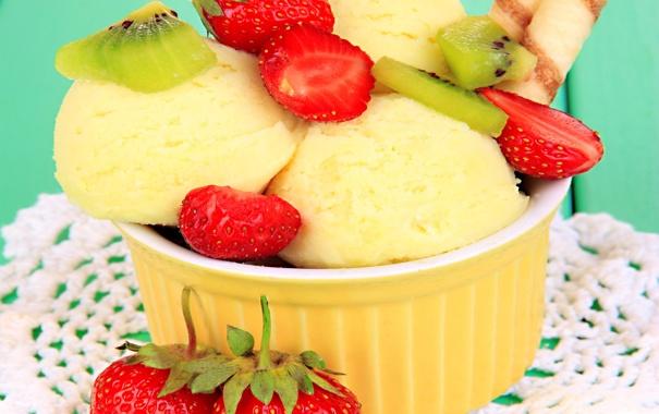 Фото обои colorful, plate, fruit, sweet, strawberry, dessert, berries
