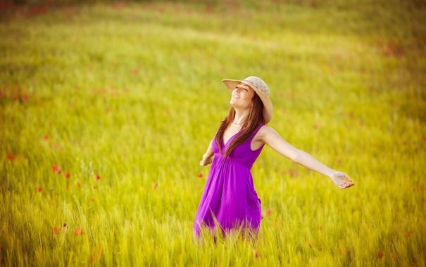 Фото обои поле, свобода, девушка, радость, счастье, цветы, природа