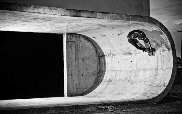 Фото обои свет, тень, архитектура, бетон, строительство, черный и белый, скейтбординг