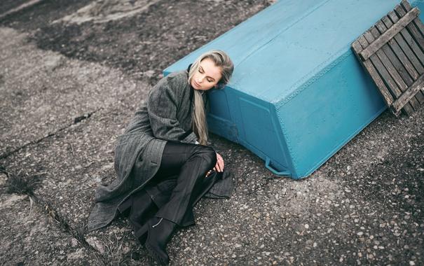 Фото обои холод, зима, девушка, серый, арт, Victoria Berngard