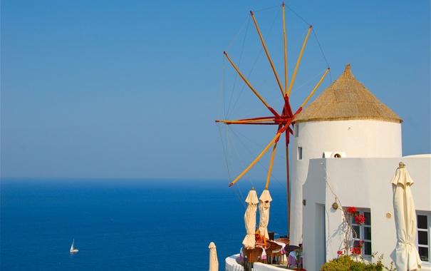 Фото обои море, небо, лодка, Греция, парус, ветряная мельница