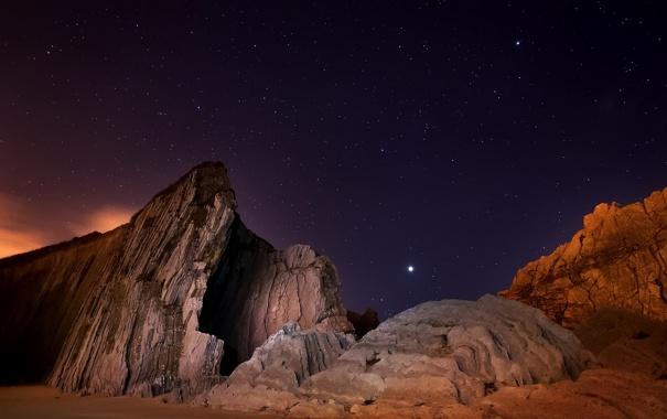 Фото обои небо, звезды, горы, ночь, скалы