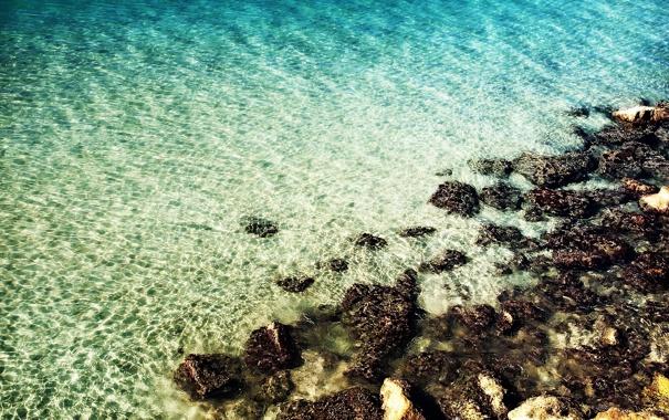 Фото обои вода, камни, мель, небольшой прибой