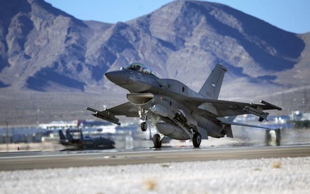 Фото обои Горы, Самолет, Истребитель, Крылья, США, Авиация, ВВС