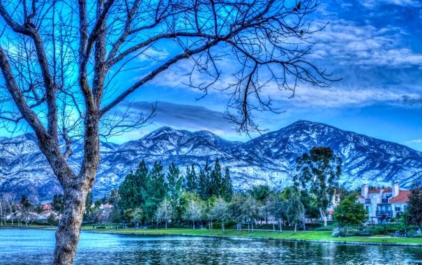 Фото обои деревья, горы, река, берег, дома, обработка, Калифорния