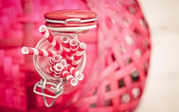 Фото обои размытость, банка, розовые, белые, трубочки, баночка, соломка