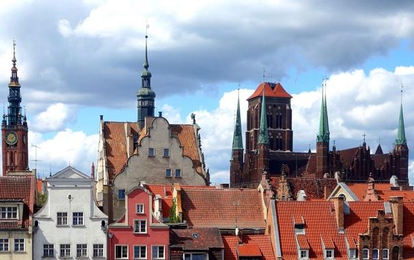 Фото обои крыша, небо, облака, часы, башня, дома, Польша