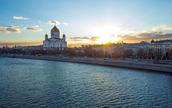 Фото обои небо, облака, река, Москва, храм, Россия, Moscow