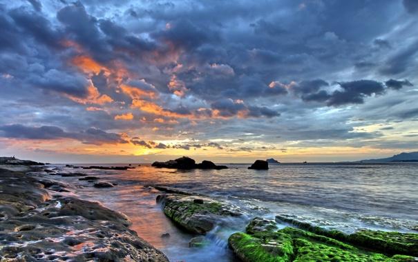 Фото обои море, ночь, камни, мох