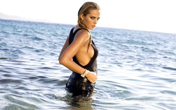Фото обои море, модель, Petra Nemcova