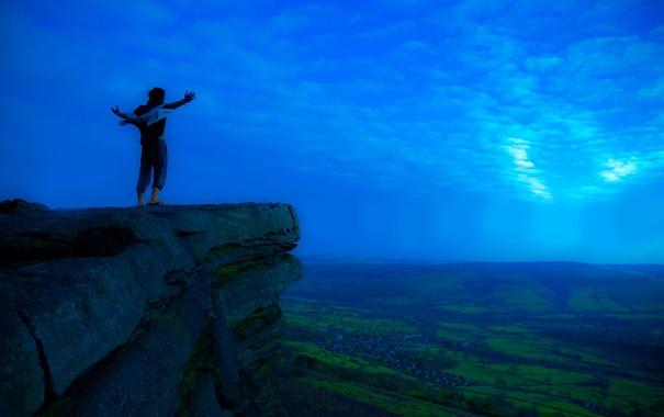 Фото обои свобода, радость, горы, фото, люди, настроение, скалы
