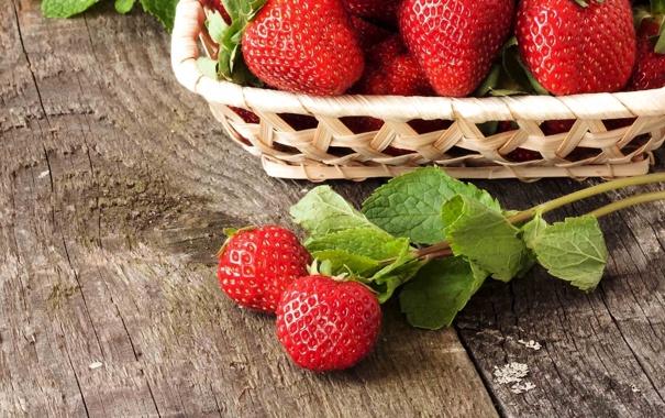 Фото обои ягоды, дерево, корзина, доски, клубника, мята