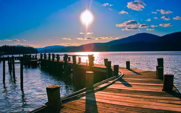 Фото обои пейзаж, река, горизонт, небо, солнце, лес, пирс