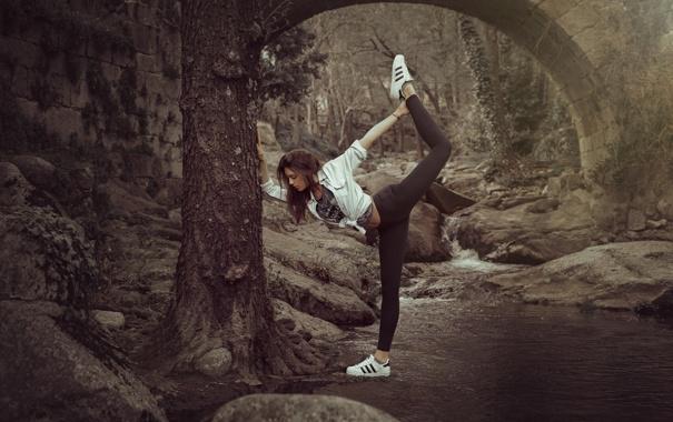 Фото обои волосы, лицо, разминка, упражнение, природа, девушка, поза