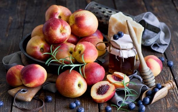 Фото обои сыр, черника, мед, натюрморт, персики
