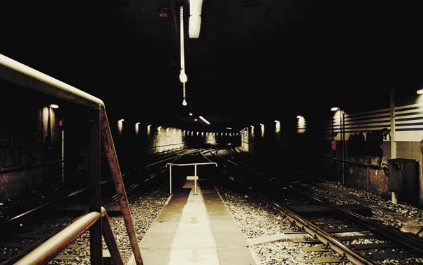 Фото обои станция, фонари, железная дорога, заброшенная