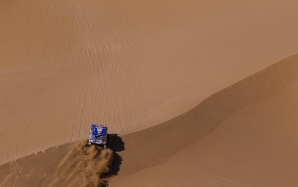 Фото обои песок, гонка, Синий, Volkswagen, Пустыня, внедорожник, Touareg