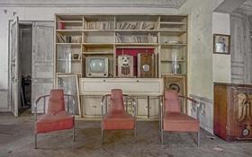 Обои стулья, радио, телевизор