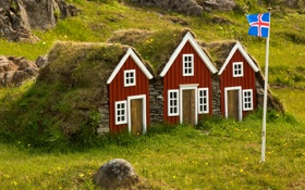 Обои трава, камни, флаг, домики, Исландия