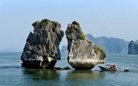 Обои люди, небо, камень, горы, лодка, море, Китай