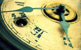Обои macro, antique, clock, roman numerals, key hole